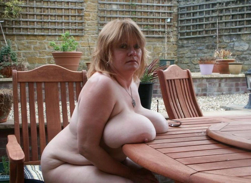 older woman flashing boobs nude