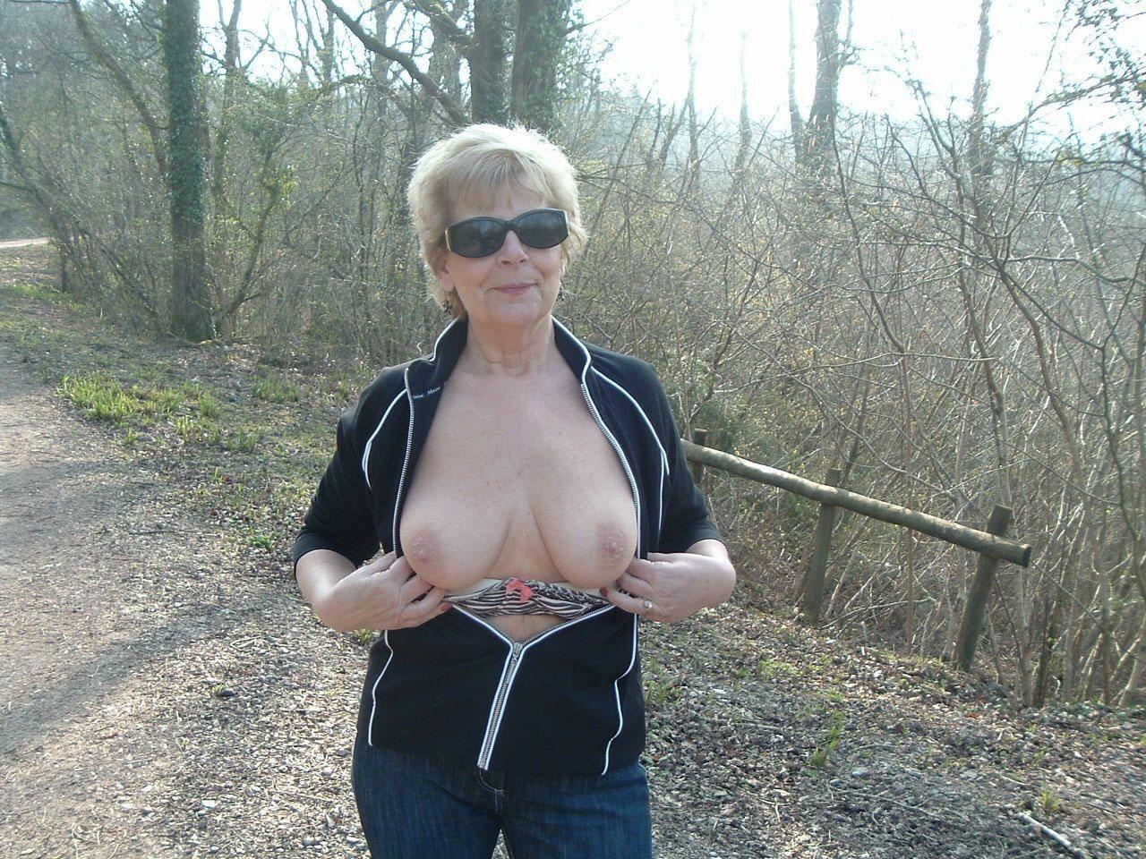 indian mom nude porn