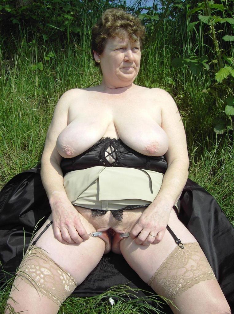 Busty Fat Moms 28