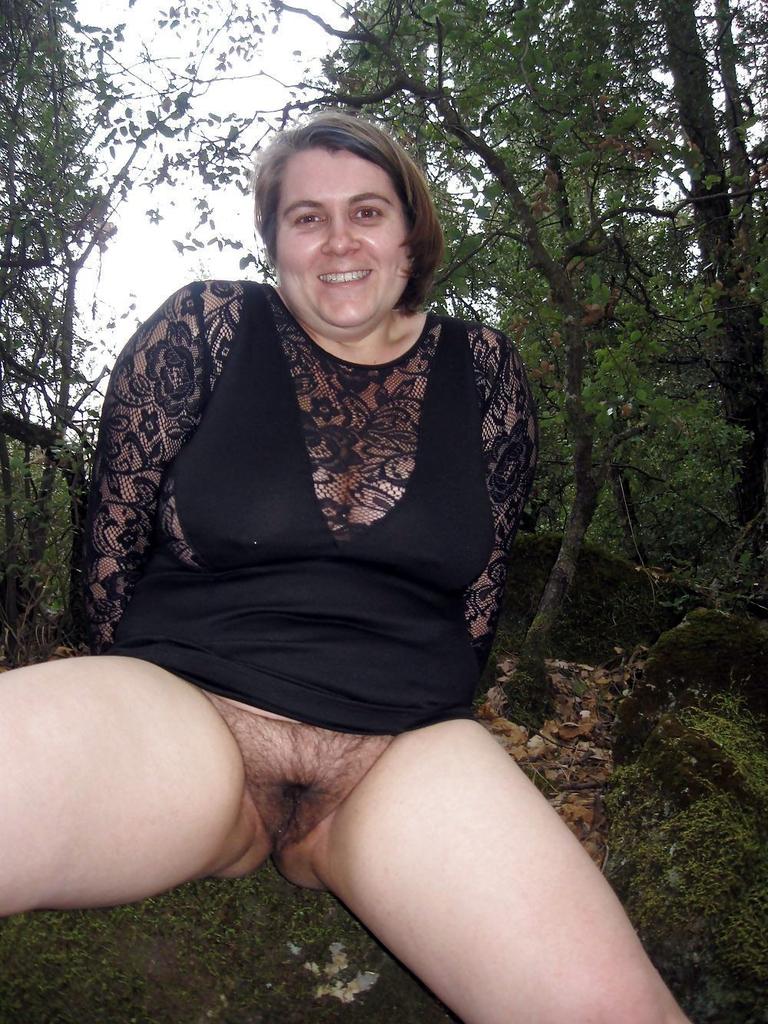 hot mom naked and fucked