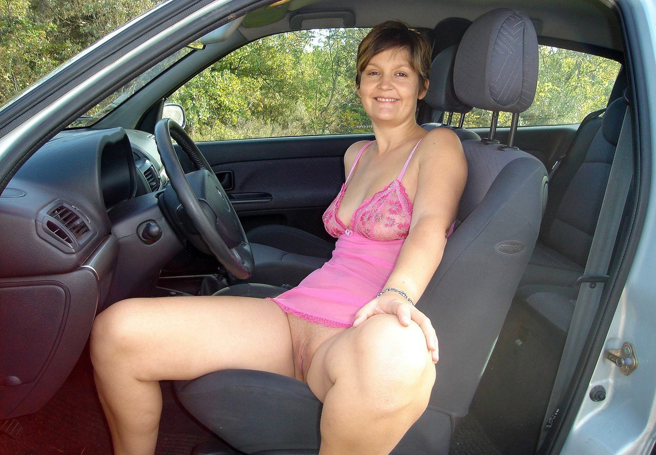 Woman driver car naked