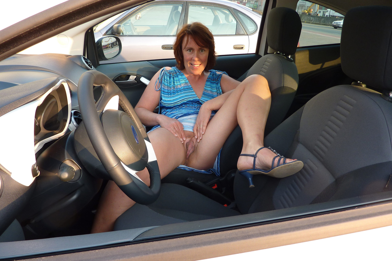 Naked mom in car regret, that