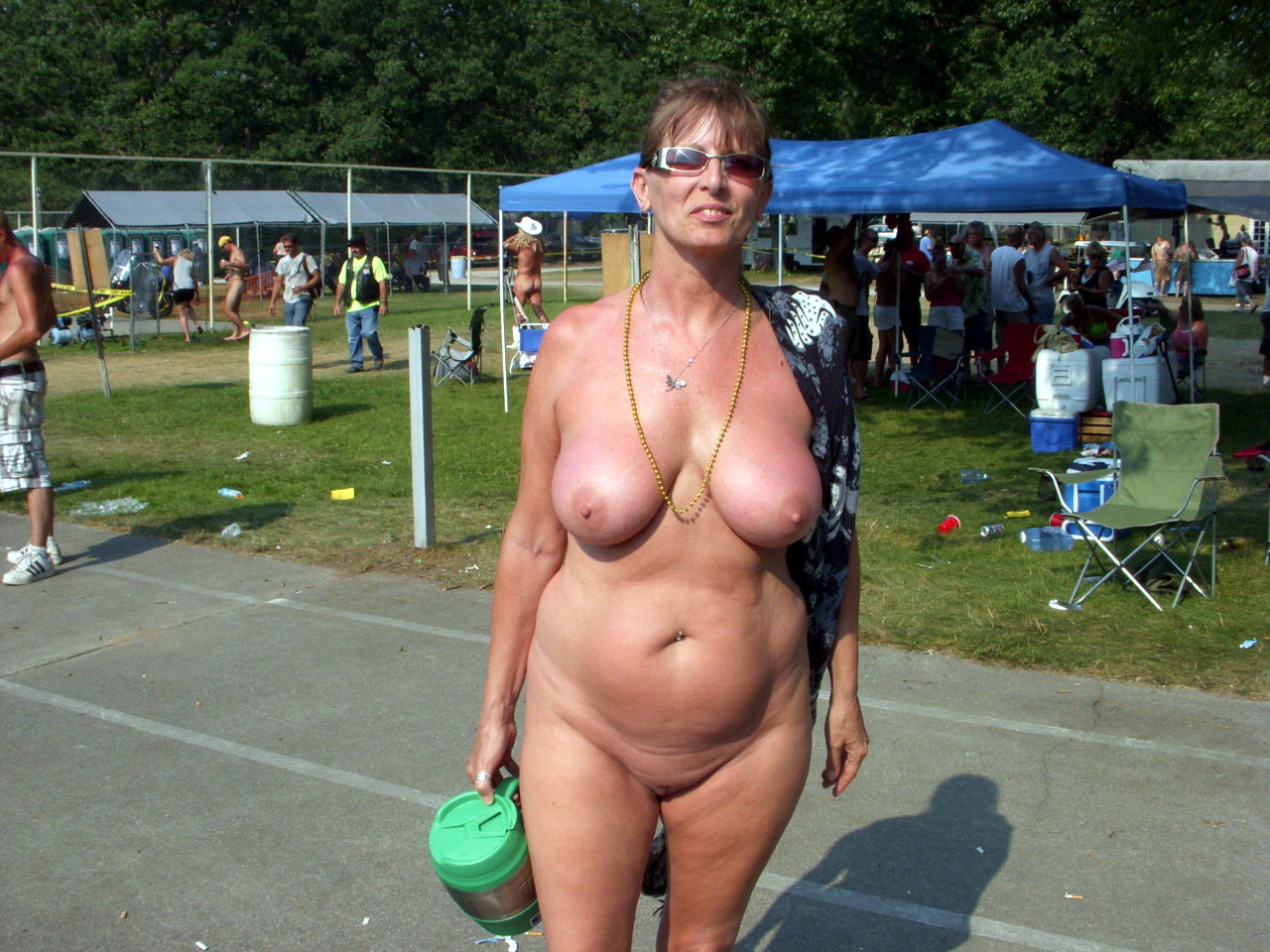 mature woman sex Public